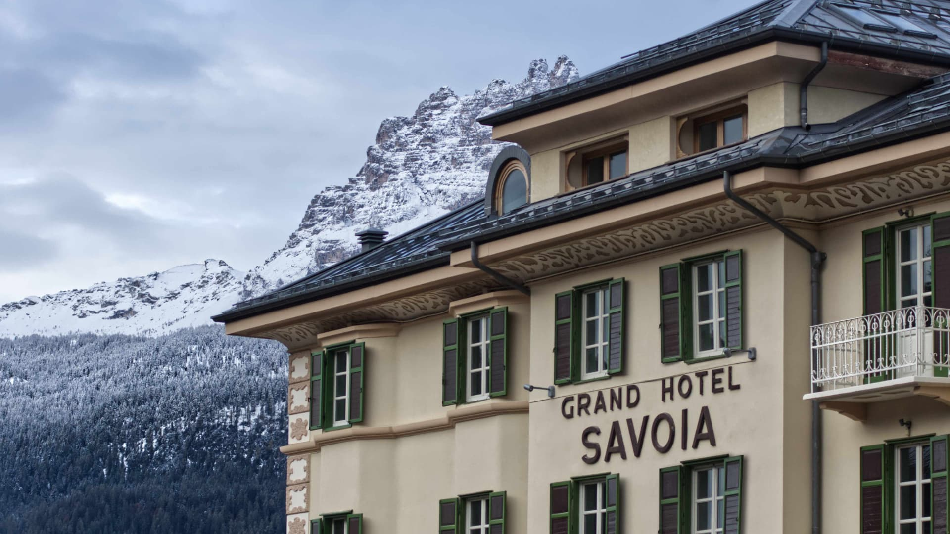 Grand Hotel Savoia - building